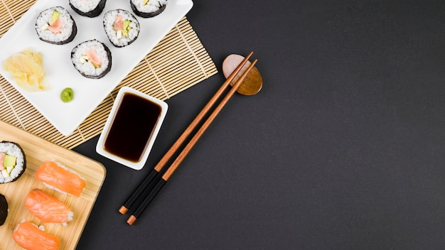 Top view of california rolls Free Photo