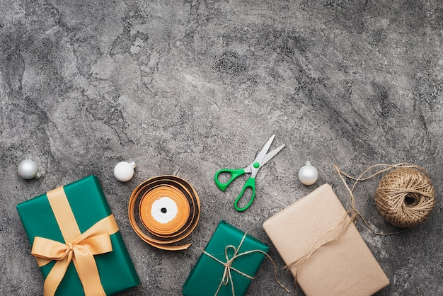 Top view of christmas gift on marble background with copy space Free Photo