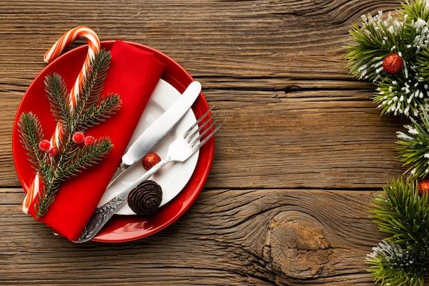 Assortimento di stoviglie natalizie con vista dall'alto Foto Gratuite