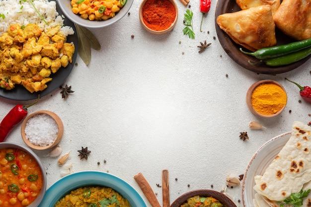 Cornice circolare per alimenti vista dall'alto Foto Gratuite