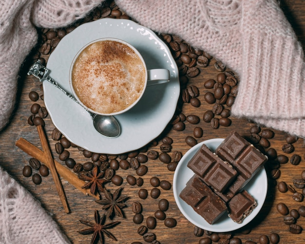 Top view coffee cup with chocolate Free Photo