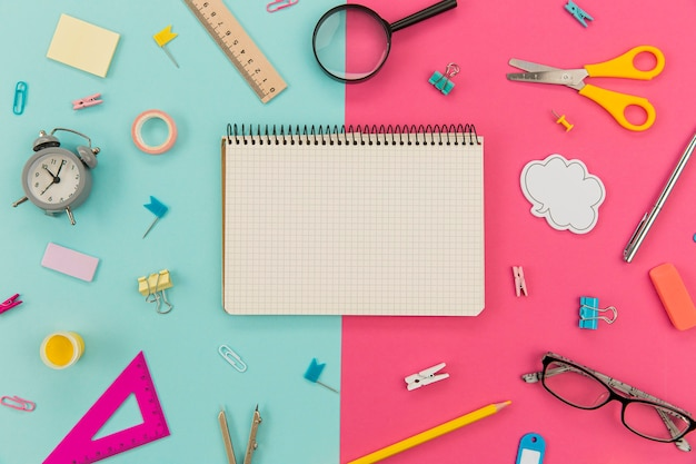 Top view collection of stationery objects on the table Free Photo