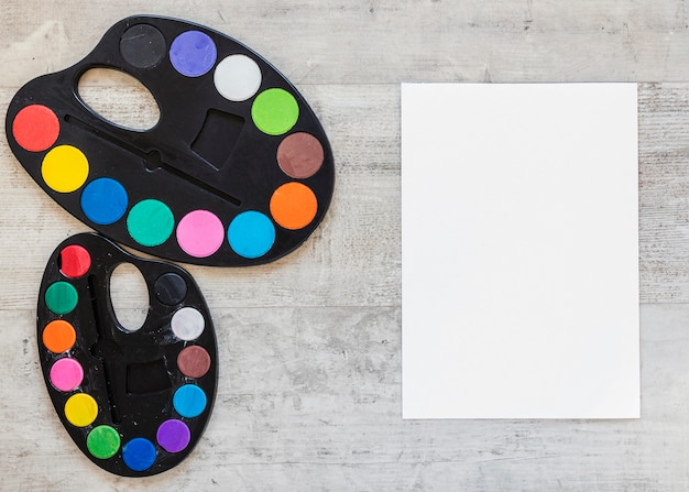Пространство для копирования палитры цветного лотка сверху Бесплатные Фотографии
