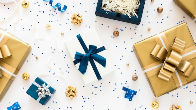 Top view composition of wrapped presents Free Photo