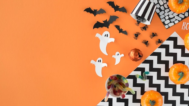 Вид сверху жуткие элементы хэллоуина с копией пространства Бесплатные Фотографии