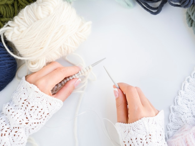 Top view crocheting with wool Free Photo