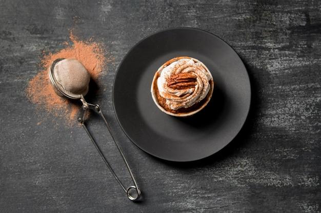 Cupcake vista dall'alto con cannella Foto Gratuite