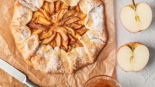Вид сверху вкусный яблочный пирог Бесплатные Фотографии