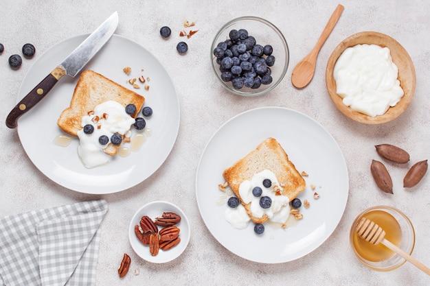 Вид сверху вкусный завтрак на столе Бесплатные Фотографии
