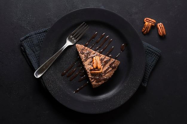 Вид сверху вкусный шоколадный десерт Premium Фотографии