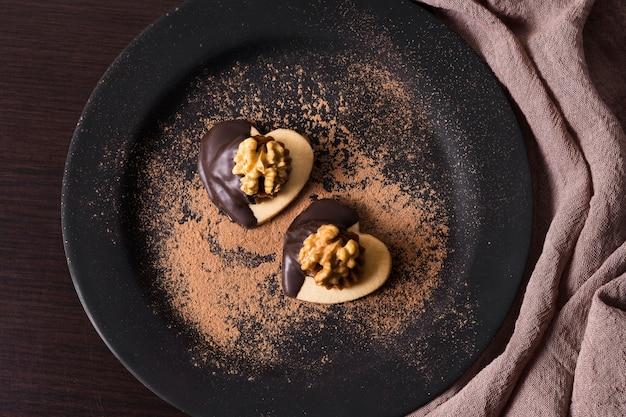 Vista dall'alto delizioso dessert pronto per essere servito Foto Gratuite