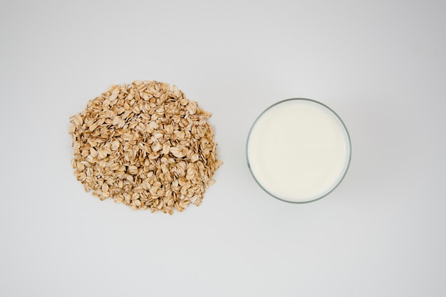 Top view delicious oatmealwith milk Free Photo