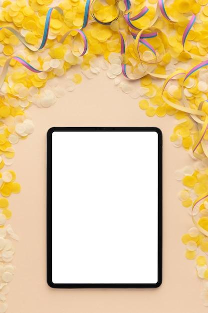 상위 뷰 디지털 빈 태블릿 복사 공간 카니발 개념 무료 사진