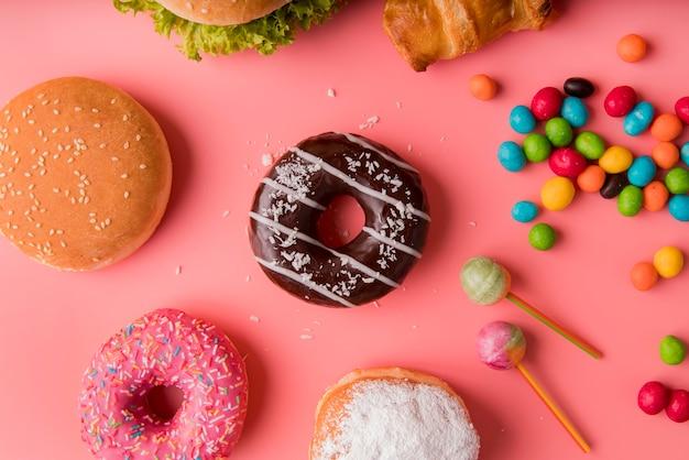 トップビュードーナツ、ハンバーガー、お菓子 無料写真