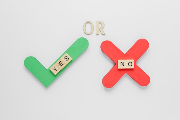 Top view of elections concept with yes or no Free Photo