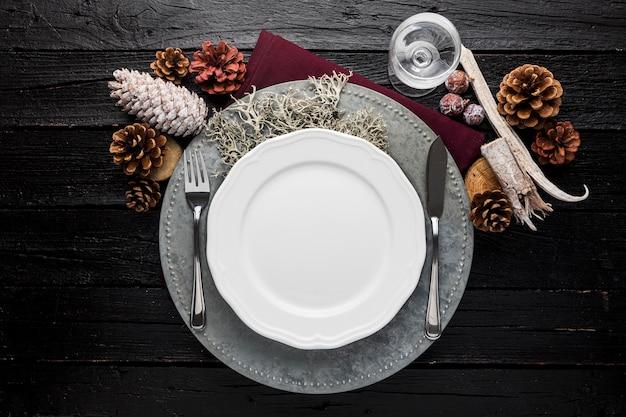 Вид сверху пустая рождественская тарелка Бесплатные Фотографии
