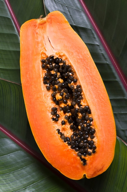 Вид сверху экзотических фруктов папайи, готовых к употреблению Бесплатные Фотографии