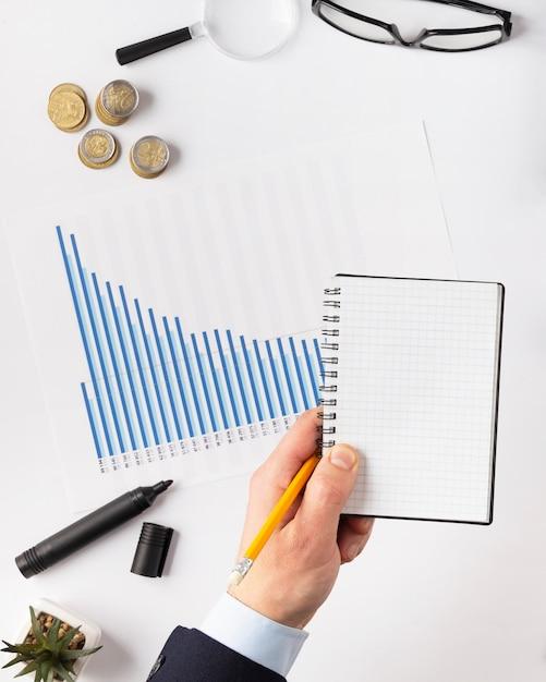 上面図は、空のメモ帳で要素の構成に資金を提供します 無料写真