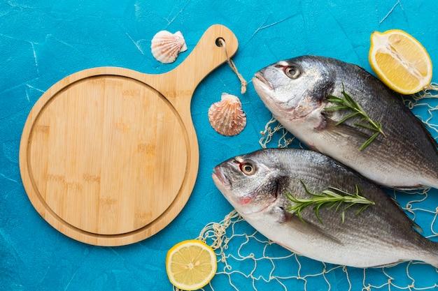 그물 낚시와 상위 뷰 물고기 무료 사진