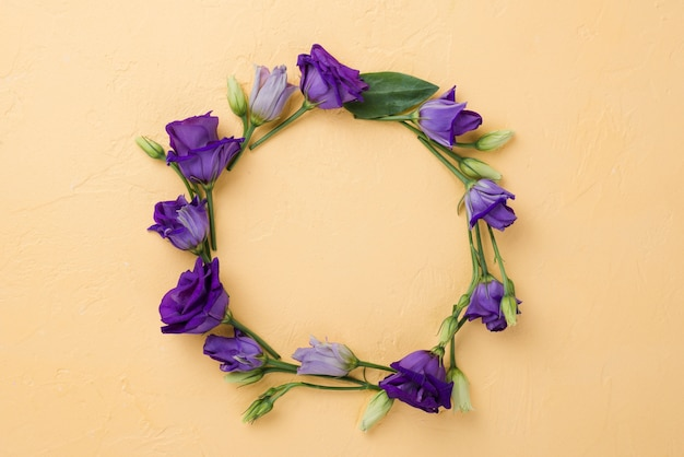 Top view floral wreath Free Photo