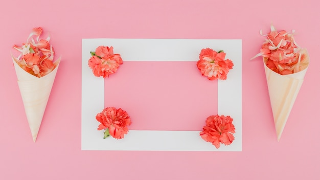 Top view flowers with frame Free Photo