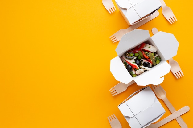 Top view food frame with salad and copy-space Free Photo