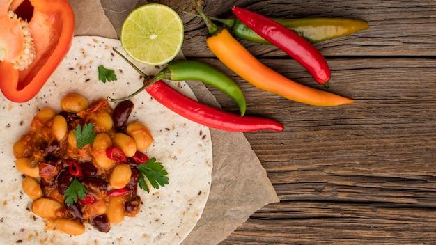 トップビューチリと新鮮なメキシコ料理 無料写真