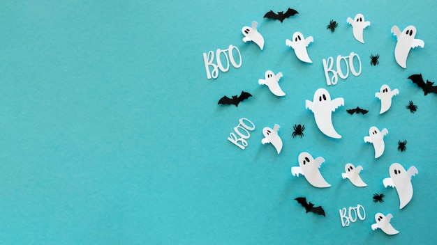 Top view halloween elements with copy space Free Photo