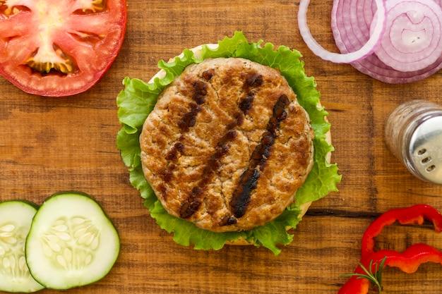 Вид сверху ингредиенты для гамбургера Бесплатные Фотографии