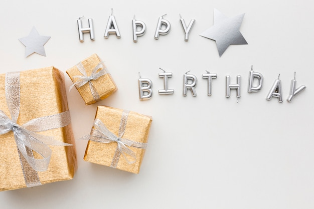 トップビューお誕生日おめでとうメッセージとギフト 無料写真