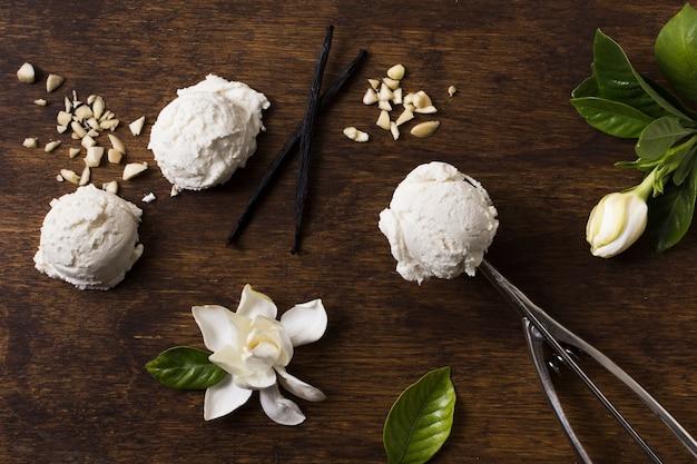 Top view homemade ice cream scoops Premium Photo