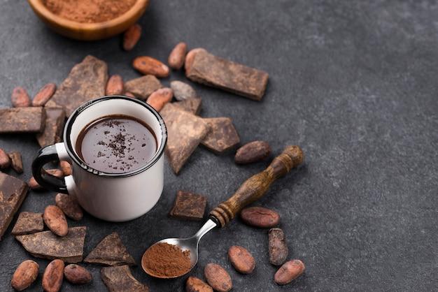 Горячий шоколадный напиток на столе, вид сверху Бесплатные Фотографии