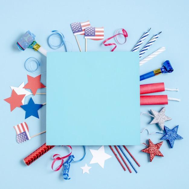 Вид сверху украшение дня независимости вокруг голубого квадрата Бесплатные Фотографии
