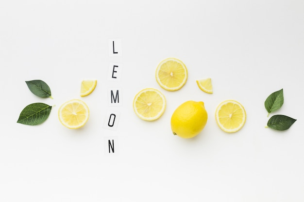 Top view of lemon with leaves concept Free Photo