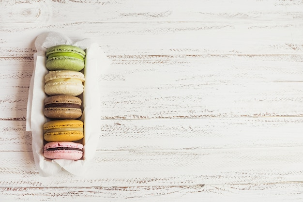 Top view macaron box Free Photo