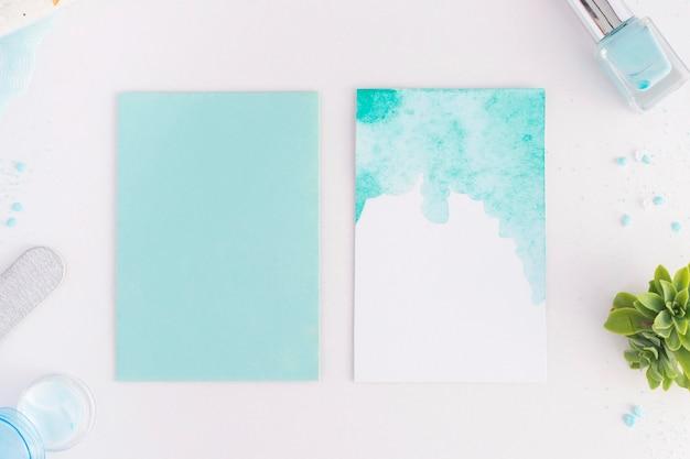 空のカードでトップビューのネイルケア要素の配置 無料写真