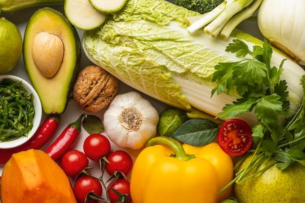 Вид сверху на ассортимент свежих овощей Бесплатные Фотографии