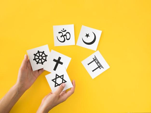 Вид сверху ассортимента религиозных символов Бесплатные Фотографии