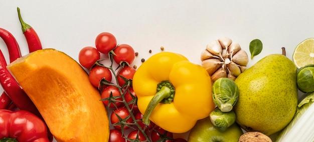 野菜の品揃えの上面図 無料写真
