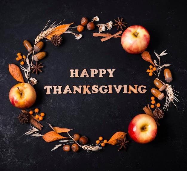 挨拶とリンゴと秋のフレームのトップビュー 無料写真