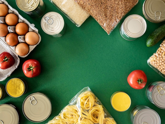 Вид сверху на кучу свежих продуктов для пожертвования с копией пространства Бесплатные Фотографии