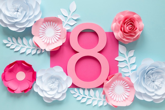 Вид сверху на дату с цветами на женский день Бесплатные Фотографии