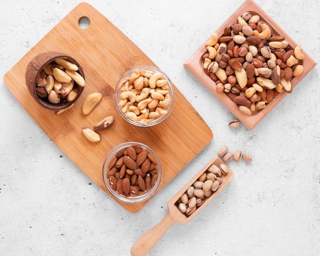 おいしいナッツの配置の上面図 無料写真