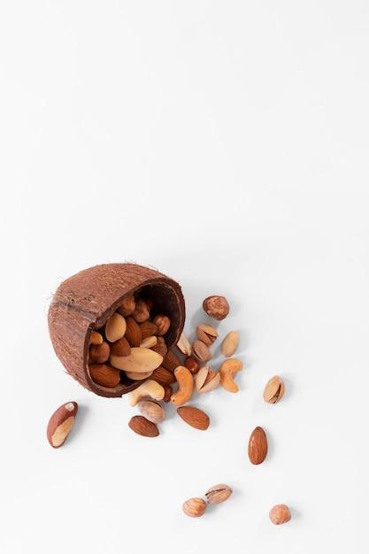 おいしいナッツのコンセプトの上面図 無料写真
