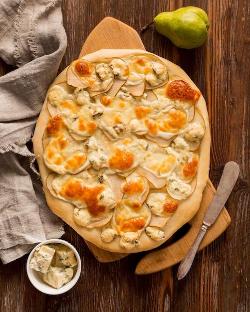 おいしいピザのコンセプトのトップビュー 無料写真