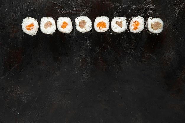 コピースペース付きのおいしい寿司のトップビュー 無料写真