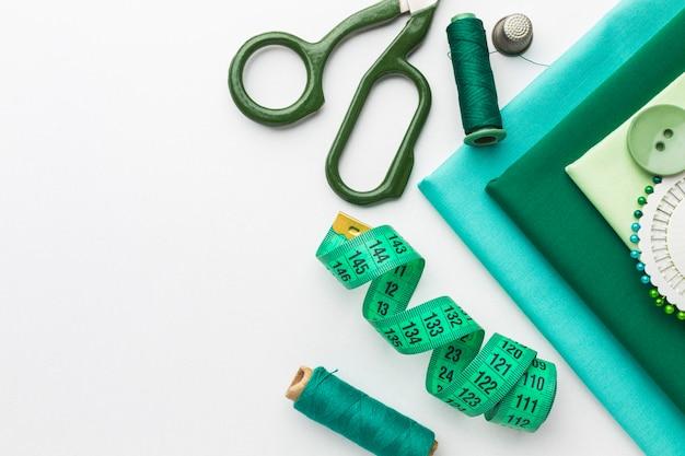 測定テープと糸で生地の上面図 Premium写真