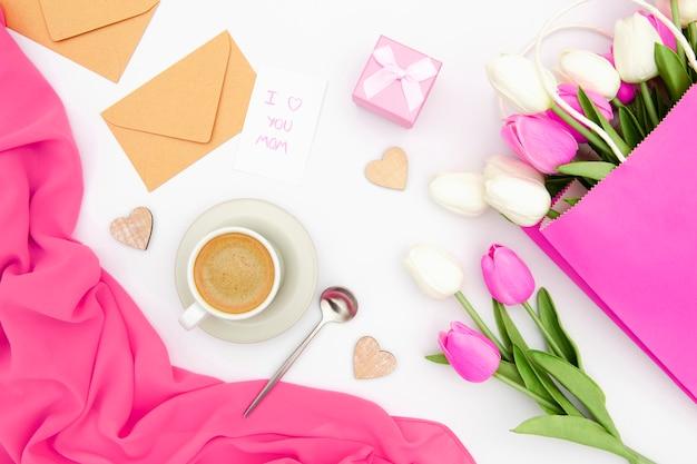 ピンクと白のチューリップのトップビュー 無料写真