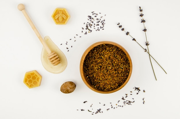 Вид сверху пыльцы в миске Бесплатные Фотографии