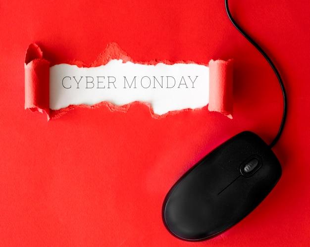 사이버 월요일에 마우스로 찢어진 종이의 상위 뷰 무료 사진
